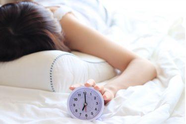 朝起きるのが辛い人のためのおすすめ目覚まし時計とサプリはこれだ!