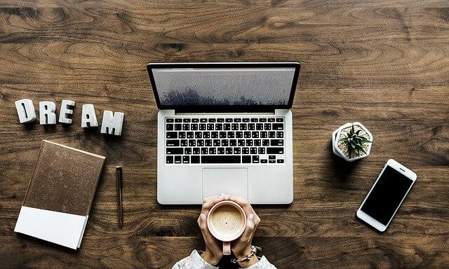 暇つぶしでブログを書く